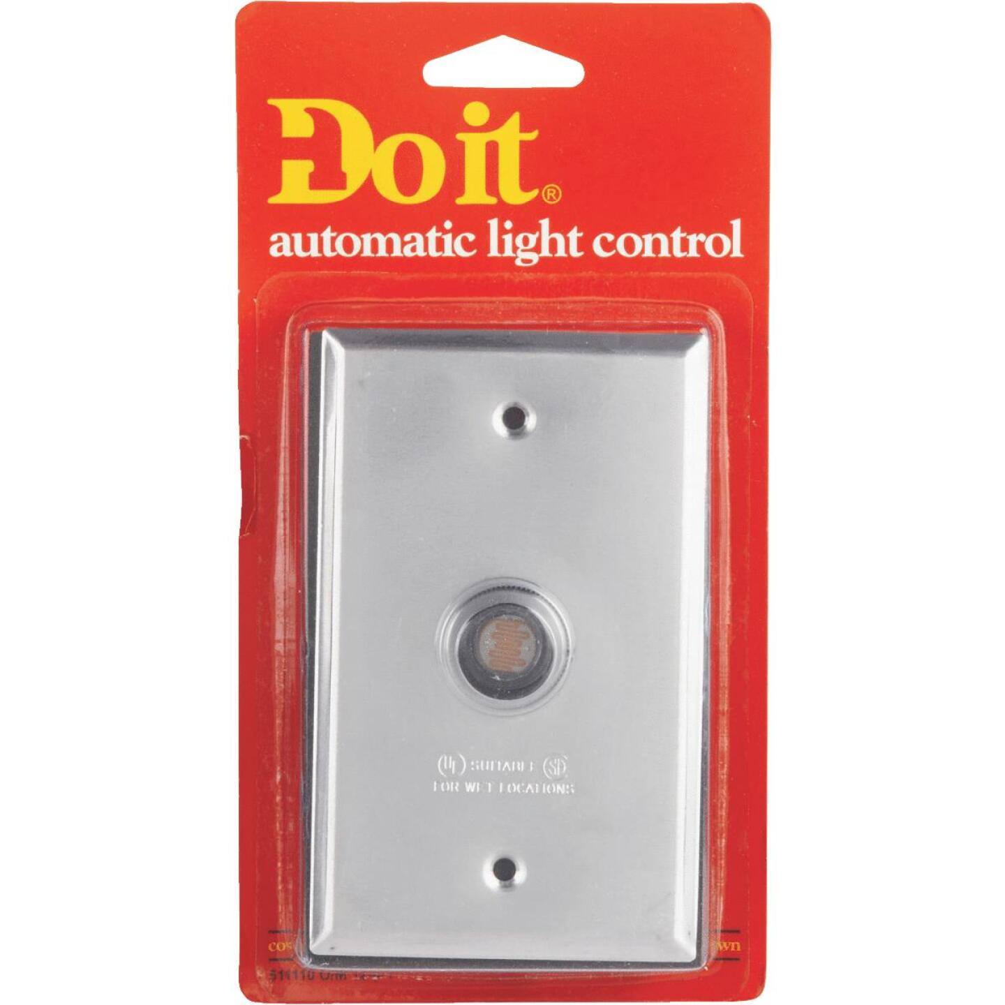 Do it Hard Wire Aluminum Photocell Lamp Control with Switch Plate Image 2