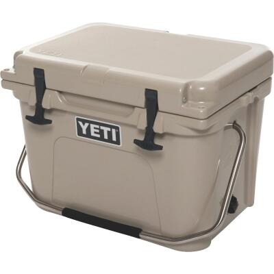 Yeti Roadie 20, 16-Can Cooler, Tan